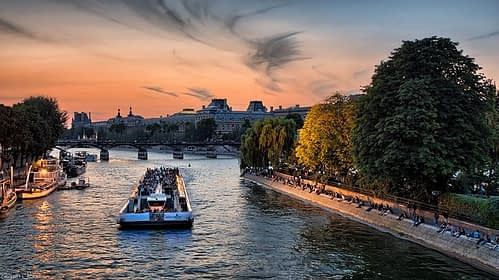 Seine River Private tour by PARIS BY EMY